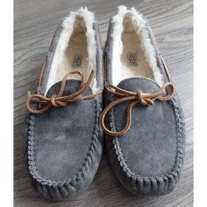 UGG Gray Dakota Slippers/Moccasins, sz 11